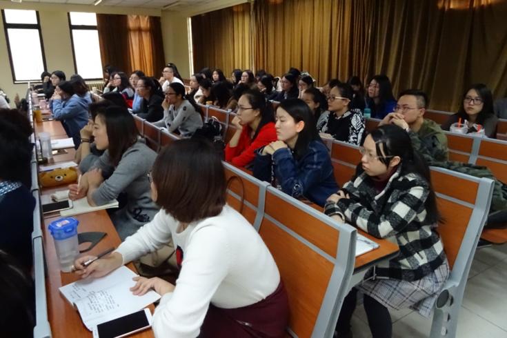 Die guten Deutschkenntnisse der Studierenden machten eine Übersetzung des Vortrags überflüssig